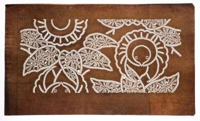 'Fukura Suzume' (round and puffy Sparrow) and bamboo katagami stencil