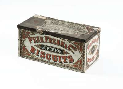 Peek, Frean & Co biscuit tin